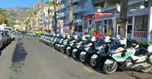 Agentes de la Escuela de Tráfico de la Guardia Civil de Mérida hacen parada en La Herradura.jpg