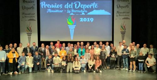 Almuñécar premió en una gala a los clubes y deportistas destacados de 2019.png