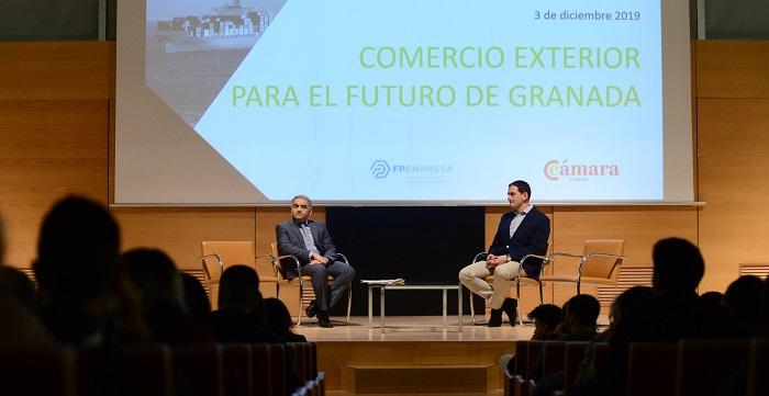 Cuatrocientos alumnos de FP se forman sobre el comercio exterior de Granada.jpg