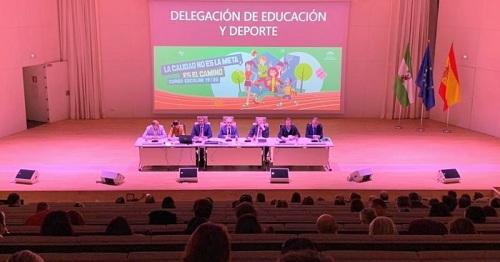 Educación reúne a los directores de los centros públicos para presentarles las líneas de trabajo de la Delegación.jpg
