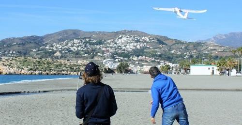 El Club de Aeromodelismo RC Costa Tropical cierra su temporada en la playa de Salobreña con el Mateca-Fly.jpg