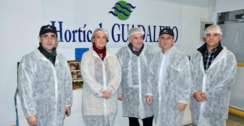 La alcaldesa anima a las empresas hortofrutícolas a combatir el paro de Motril de la mano del Ayuntamiento.jpg