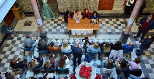 La alcaldesa de Salobreña espera que se estrechen las líneas comerciales con el Norte de África.jpg