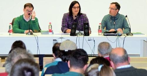 La Junta entrega la resoluciones de ayuda a jóvenes agricultores de la provincia.jpg