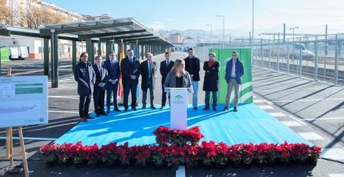 Marifrán Carazo inaugura el aparcamiento en la estación del AVE de Granada.jpg