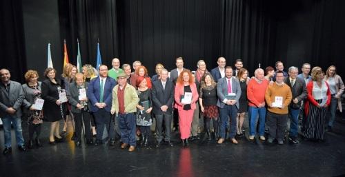 Salobreña conmemora el 40 aniversario de la creación de los ayuntamientos democráticos dando un homenaje a la primera corporación.jpg