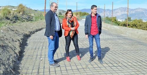 Comienzan los trabajos de hormigonado del Camino de Salambina dentro de los trabajos del PFEA 2019.jpg