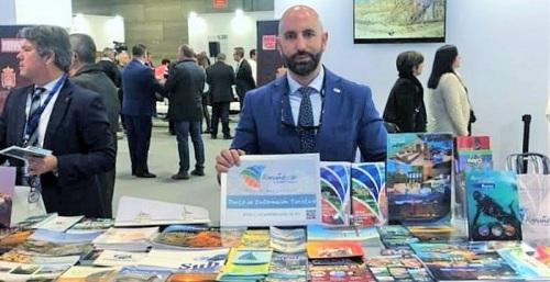 Daniel Barbero recibe en Fitur varios galardones que reconocen la apuesta por la calidad turística de Almuñécar