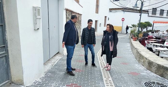 El Ayuntamiento de Salobreña arregla la calle Ramblilla de La Caleta con una inversión de 45.000 euros