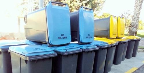 El Ayuntamiento de Salobreña instala contenedores de recogida selectiva en 14 puntos del Casco Antiguo