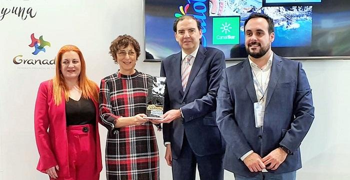 El Ayuntamiento entrega el premio 'Sintiendo Salobreña' al programa de Canal Sur 'Destino Andalucía'