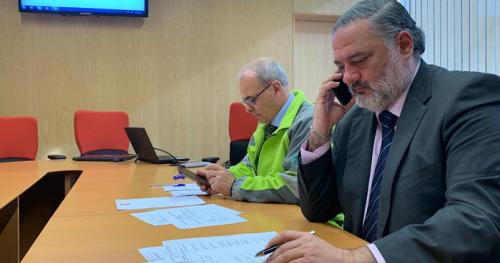 El delegado del Gobierno, Pablo García, coordina los trabajos del 112 en Granada