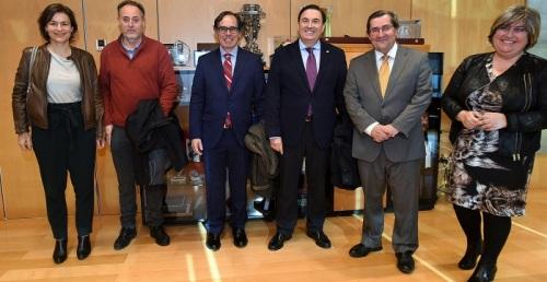 La directiva de la Cámara de Comercio de Motril visita la Diputación de Granada.jpg