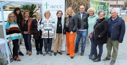 El PSOE de Motril muestra su apoyo a la delegación de la AECC en el Día Mundial Contra el Cáncer