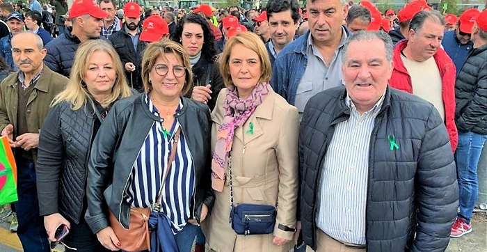 La alcaldesa de Motril expresa el respaldo de todo el municipio hacia las reivindicaciones de sus agricultores