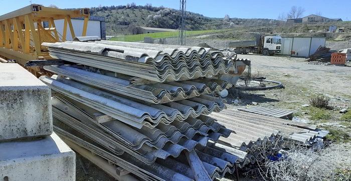 La Unidad de Policía Adscrita detecta una acumulación de planchas de uralita en varios municipios de Granada