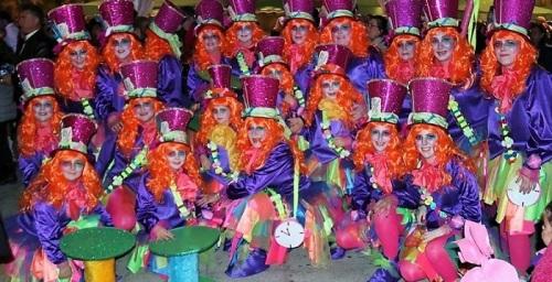 'Las sombrereras locas', primer premio en Grupo Largo en el Carnaval de Almuñécar