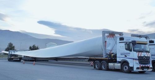 Motril, uno de los dos puertos que exporta las mayores palas eólicas que se fabrican en España