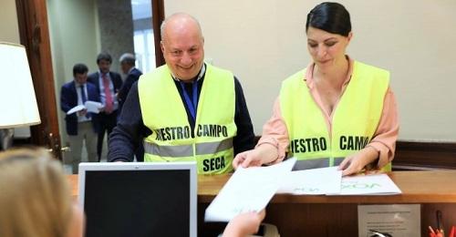 Olona pide impulsar el proyecto de conducciones de Béznar-Rules para salvar la agricultura de la Costa
