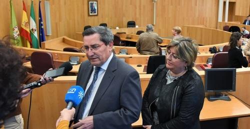 Una treintena de municipios solicita a la Diputación asistencia para la apertura de locales multiservicios