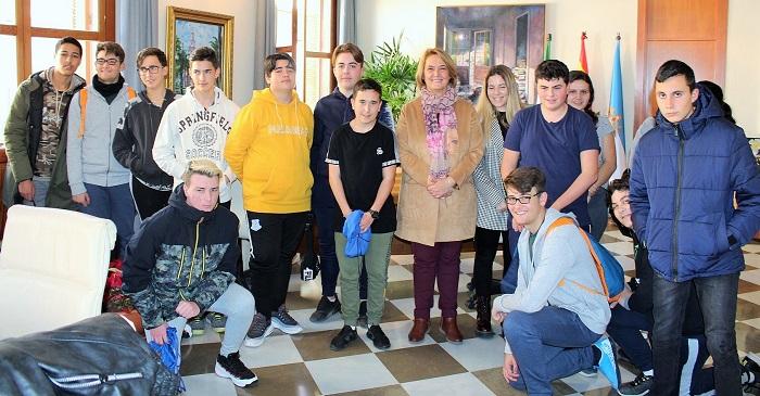 Una veintena de centros escolares del municipio están participando en las visitas escolares al Ayto. de Motril