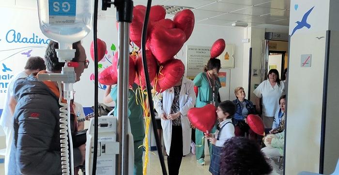 Una veintena de menores con cáncer son atendidos por una unidad de atención pediátrica domiciliaria del HUVN
