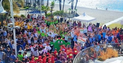 Alumnos de los centros educativos de Almuñécar y La Herradura participaron en la Marcha por la Igualdad