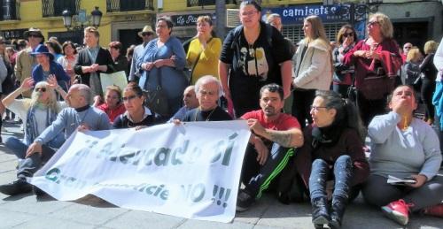 CA y PSOE solicitan un Pleno extraordinario para buscar una solución a los concesionarios del Mercado