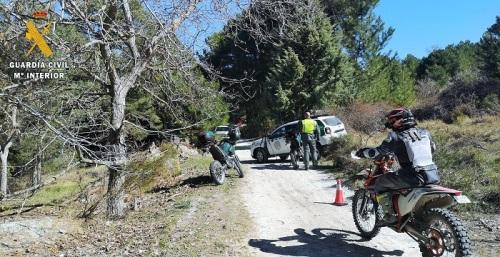 El Seprona y Agentes de Medio Ambiente vigilan el acceso de motos todoterreno a los montes públicos