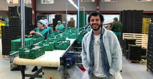Javier Pereira, ganador de la estatuilla al mejor actor en la IV edición del Aguacate Film Festival de Motril