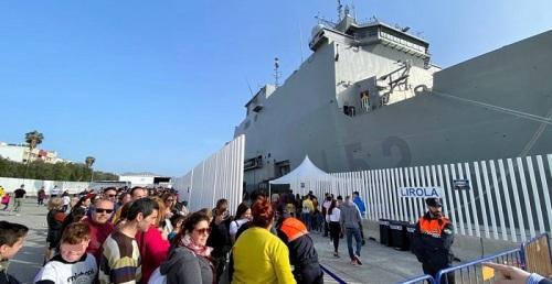 Más de 6.000 personas se han acercado al Puerto de Motril a visitar el Buque de Asalto Anfibio Castilla