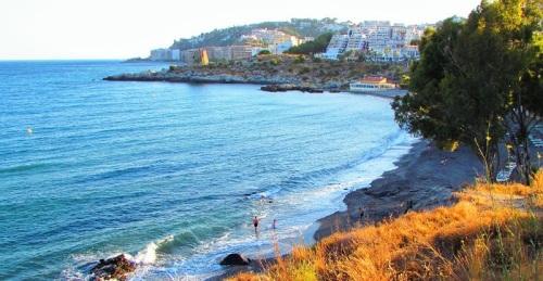 Playa del Pozuelo en Almuñécar