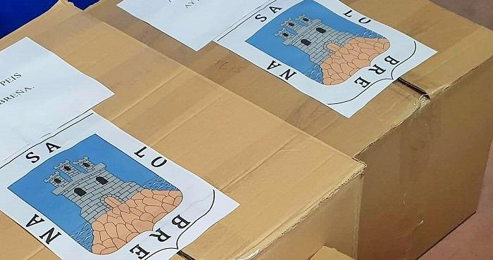 El Ayto. de Salobreña entrega 430 batas sanitarias al Hospital de Motril
