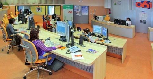 La actividad del centro coordinador 061 en Granada regresa a niveles anteriores al inicio de la crisis