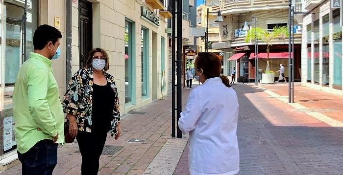 El Ayto. de Motril retira los maceteros del centro comercial abierto a la espera de entrar en la fase 1 de desescalada