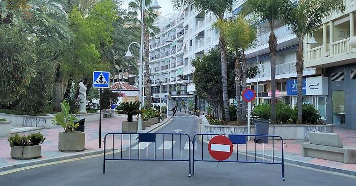 Paseo de Prieto Moreno de Almuñécar cerrado al tráfico